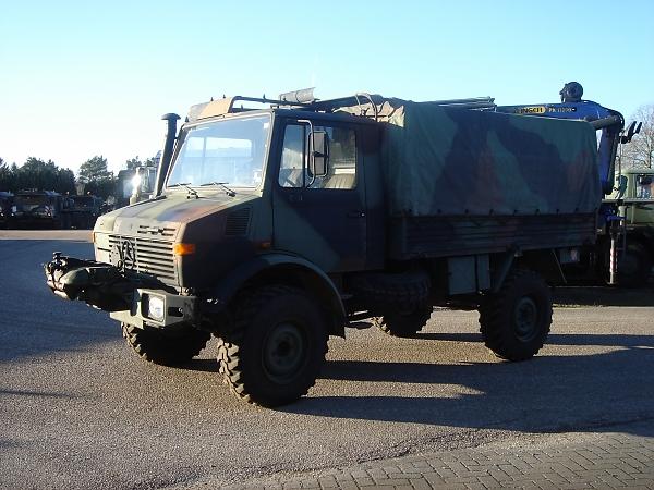 bakwagen unimog 435 vrachtwagens commerce trucks. Black Bedroom Furniture Sets. Home Design Ideas